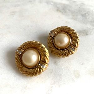 Authentic Vintage Givenchy Gold Pearl earrings